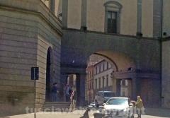 I turisti bussano a palazzo dei Priori