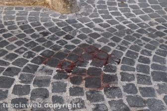 Aggressione nel centro storico di Viterbo - Due giovani accoltellati in via Valle Piatta