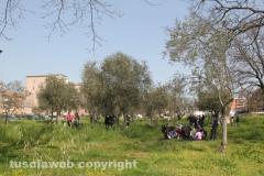 Parco a santa Barbara, la manifestazione dei cittadini