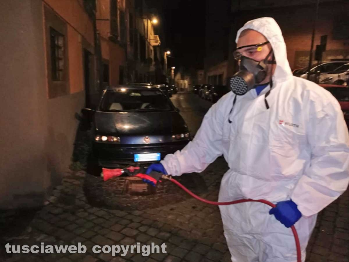 Viterbo - Al via la sanificazione delle strade della città