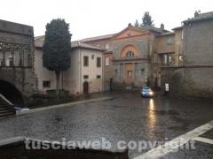 Piazza San Lorenzo dove arriverà Monti pattugliata dalla polizia