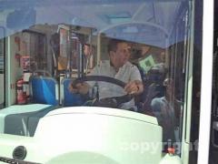 Il sindaco Marini alla guida del bus elettrico
