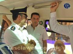 Il sindaco Giulio Marini sul bus