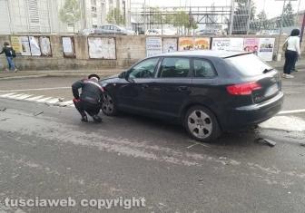 Auto contro apetto