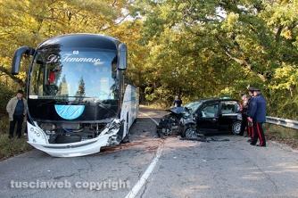 Auto contro bus sulla Cimina
