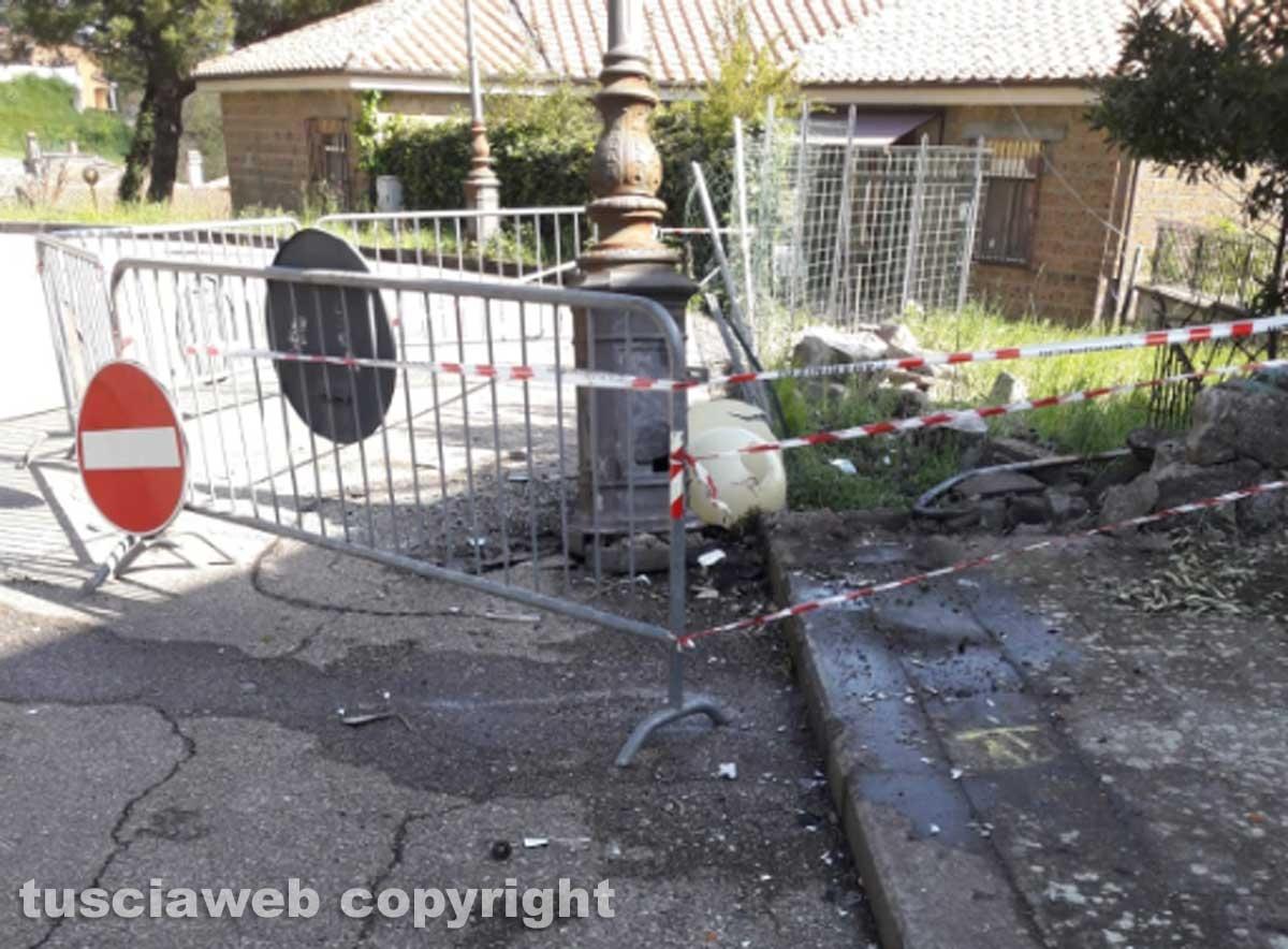 Montefiascone - Auto contro un palo - il luogo dell'incidente