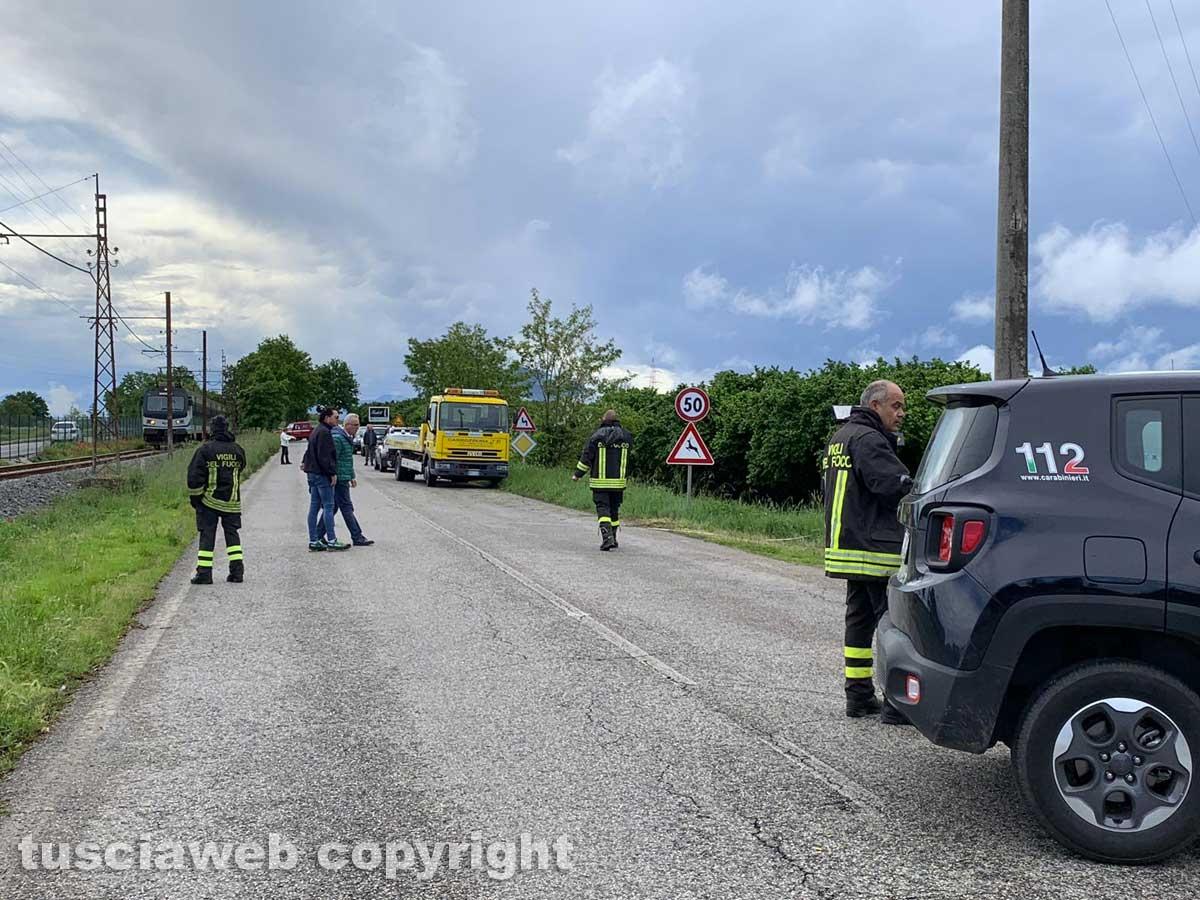 Civita Castellana - Auto va a sbattere contro un palo, due ragazzi morti e un ferito grave