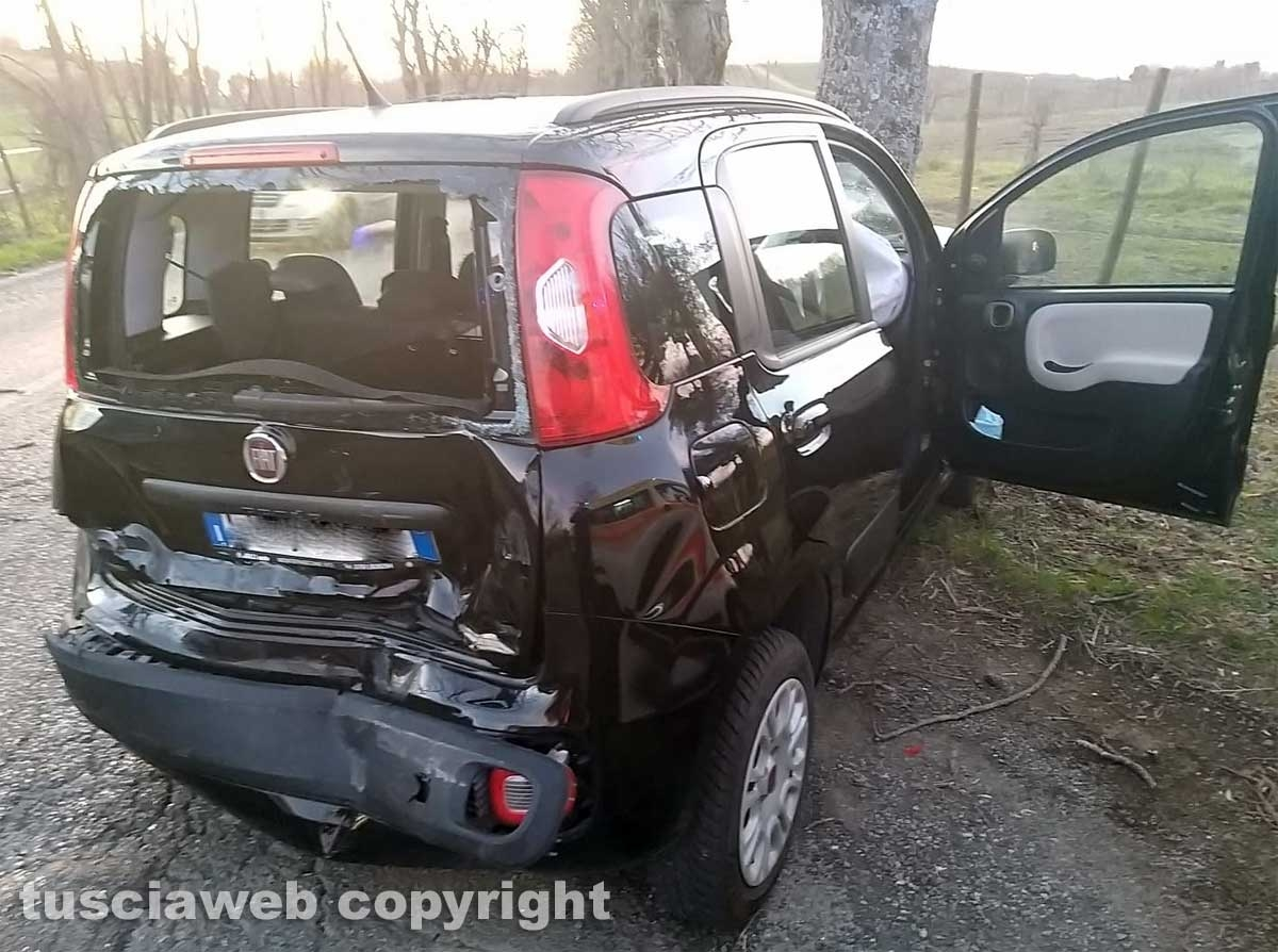 Montefiascone - Auto va a sbattere con un albero, muore una suora