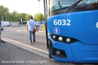 Autobus Cotral si sfrena