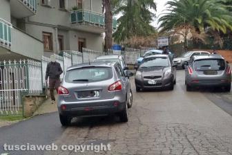 Viterbo - Parcheggio selvaggio in via Monfalcone