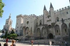 Il palazzo papale di Avignone