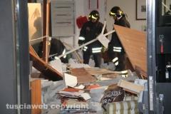 Vigili del fuoco al lavoro alla Carivit