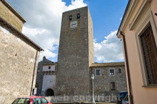 Bassano in Teverina - La torre dell\'orologio