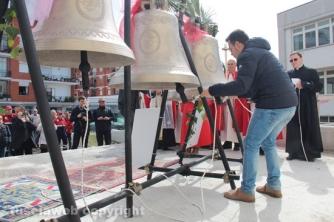 La benedizione delle campane di Villanova - Andrea fa suonare le campane