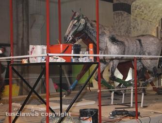 Carnevale di Ronciglione - Il backstage dei carri allegorici