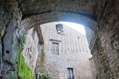 Calcata - Arco all\'entrata del centro storico
