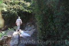 Il sopralluogo degli speleologi sotto la voragine di piazzale Sandro Pertini