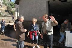 Il presidente della Provincia Marcello Meroi con i cittadini di Canepina