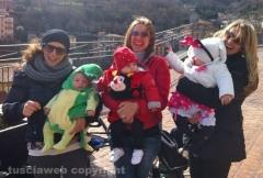 Il primo Carnevale di Alessandro (3 mesi), Aurora (6 mesi) e Giorgia (9 mesi)