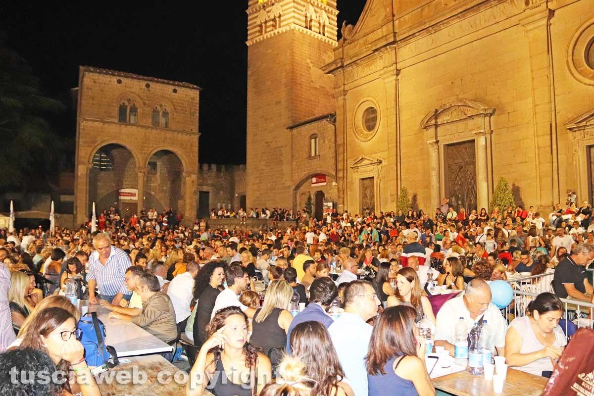 Viterbo - Santa Rosa - Cene in piazza