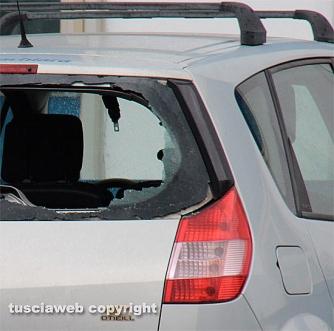 Viterbo - Colpi di pistola al semaforo