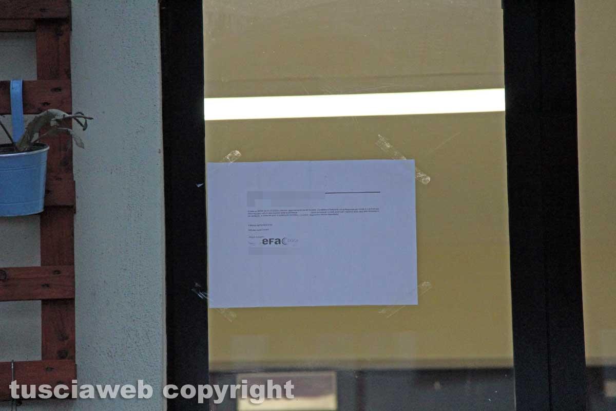 Viterbo - Il provvedimento affisso alla casa dello studente di via Cardarelli
