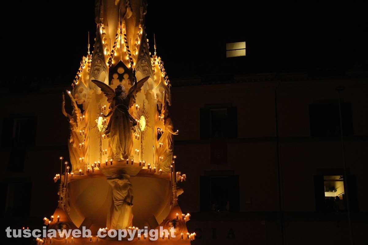 Corso Italia, piazza del Teatro, la salita e l'arrivo