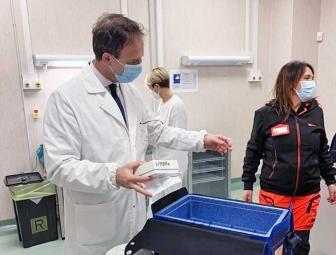 Covid, il Vaccine day nella Tuscia - L'arrivo a Belcolle delle prime dosi