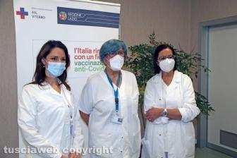 Covid, il Vaccine day nella Tuscia - Le prime tre donne a essere vaccinate