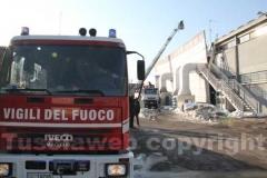 L\'intervento dei vigili del fuoco all\'Unieuro