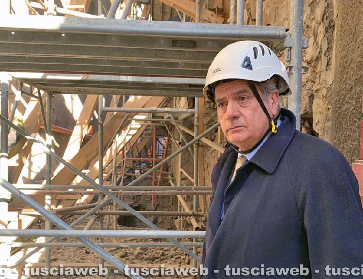 Viterbo - Crollo in via Cardinal La Fontaine - Il sindaco Giovanni Arena
