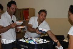 La consegna dei medicinali portati dall\'Italia