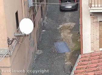 Viterbo - La strada sconnessa in via della Casaccia
