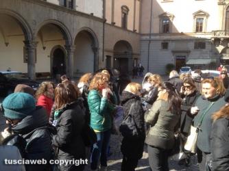 Docenti immobilizzati in piazza