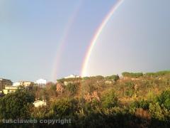 Doppio arcobaleno su Viterbo - Foto di Barbara Pietrini visto da Roncone