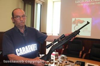 Bassano Romano - Sequestrata piantagione di droga e deposito di armi - Una delle carabine