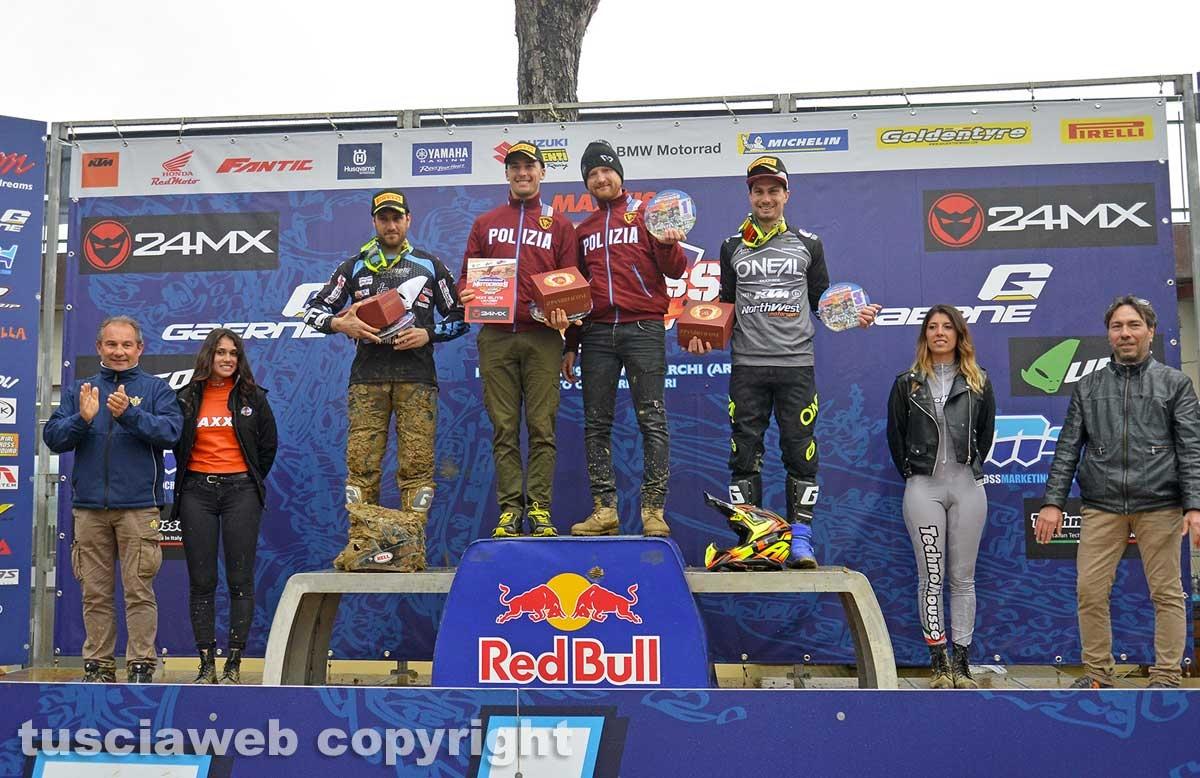 Sport - Motocross - Lupino al centro del podio col team manager Ravaglia