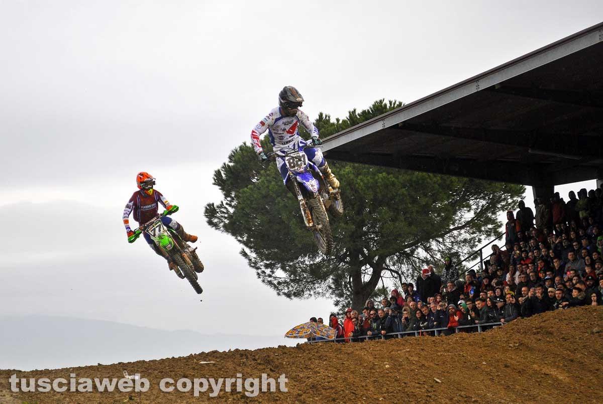 Sport - Motocross - Lupino lotta con Bernardini