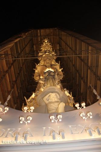 Santa Rosa - Gloria si illumina di immenso