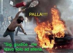 Er Pelliccia, la rete ironizza