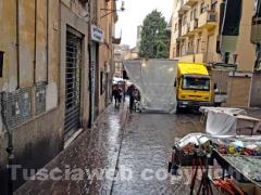 Fiera di santa Rosa sotto la pioggia