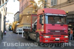 I camion in via Cavour