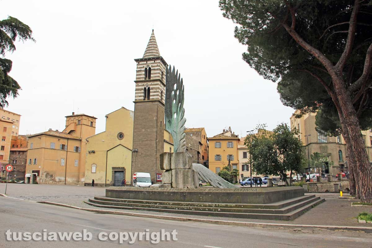 Viterbo - La fontana del Sacrario