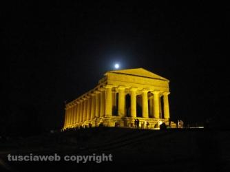 Valle dei Templi baciata dalla luna