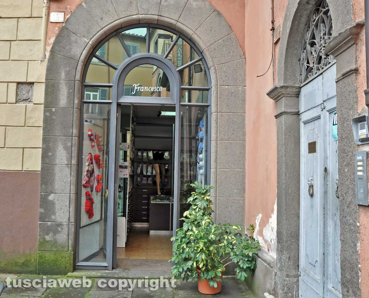 L'Ingresso del negozio Francesco Lingerie