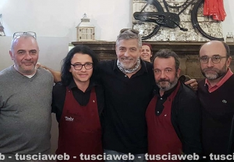 George in Tuscany Thumbs_George-Clooney-a-Viterbo3
