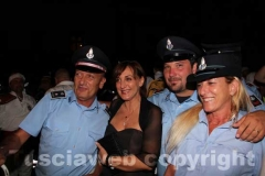 La direttrice del carcere Mammagialla Teresa Mascolo con alcuni agenti penitenziari