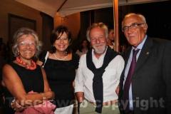A destra il presidente della Banca di Viterbo Luigi Manganiello
