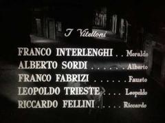 i titoli del film I vitelloni in alto a destra si vede Chiodi