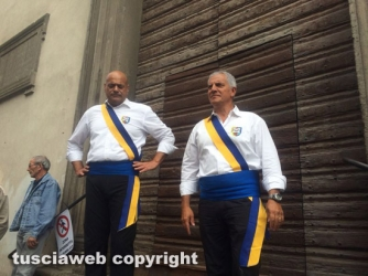 Santa Rosa - Giro sette chiese - I facchini trovano sant'Angelo in Spatha chiusa